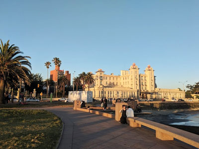 montevideo-digital-nomad-boardwalk