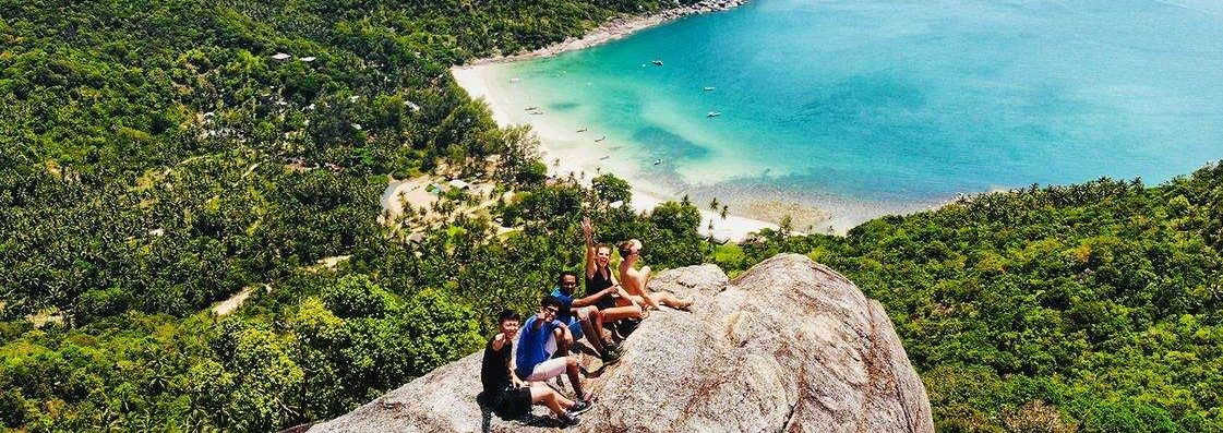 digital-nomads-hiking-in-floripa