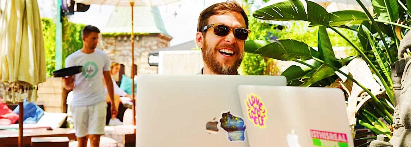 remote-worker-on-outdoor-patio-min